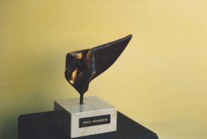 Ontwerp AWOZ wisselprijs; brons;  prijs ter ere van meest innoverende zorginstelling op het gebied van instroom medewerkers